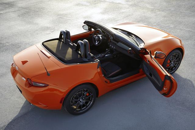 画像: ボディカラーは、鮮やかなレーシングオレンジ。