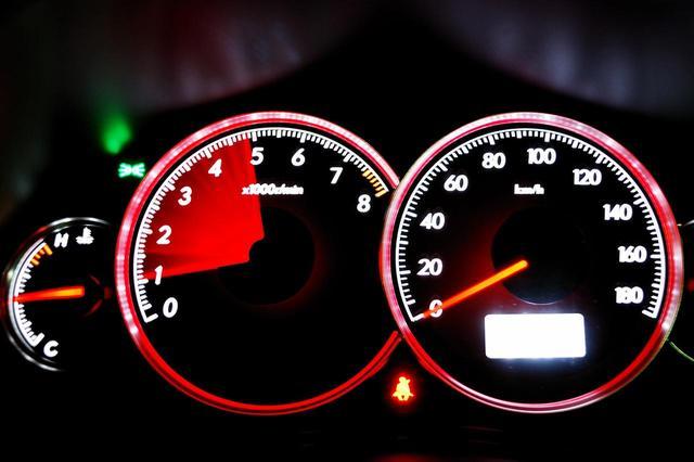 画像: ガソリンの劣化は、アクセルレスポンスにも影響を及ぼす。