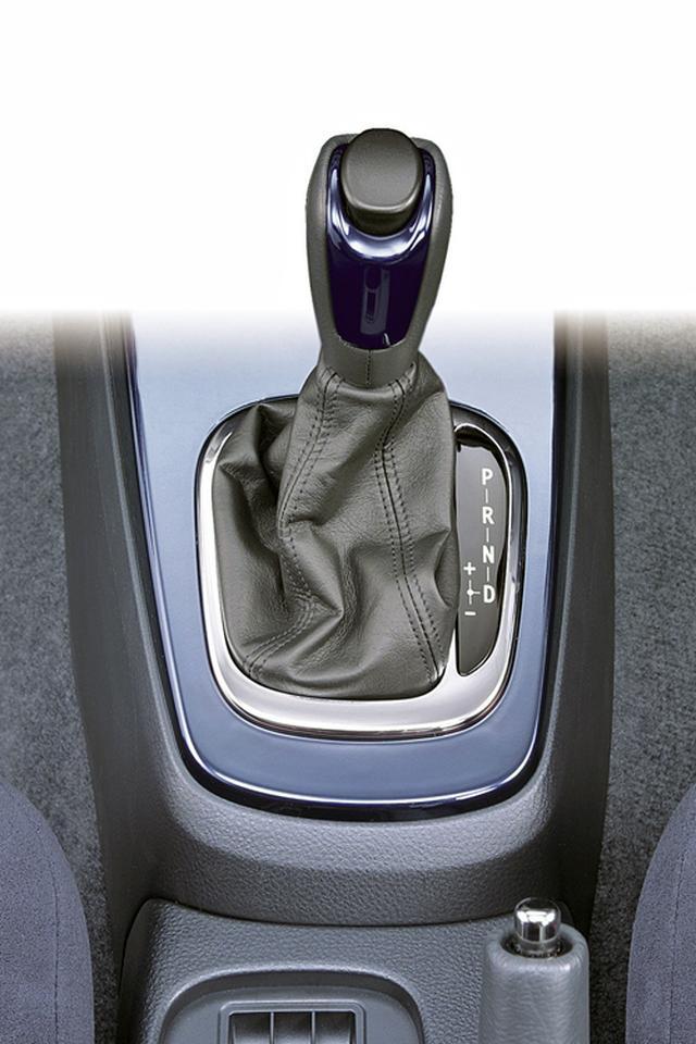 画像: ランエボ初のAT搭載車となったランサーエボリューションVII GT-Aも登場。普通のドライバーにも、ランエボの走りを楽しんでもらうために発売された。
