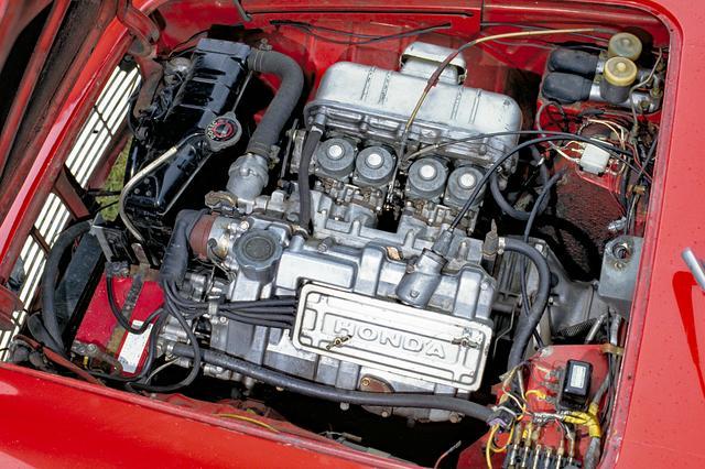 画像: 531ccから60ccに増量し最大トルクを4.6から5.2kgmに強化。扱いやすくなりレースでは上級車をカモる速さを示した。