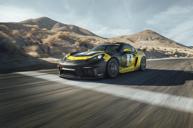 画像: 新しいカスタマーレーシングカーとして開発された718ケイマンGT4クラブ スポーツ。日本でもこの車両を使ったレースが始まる。