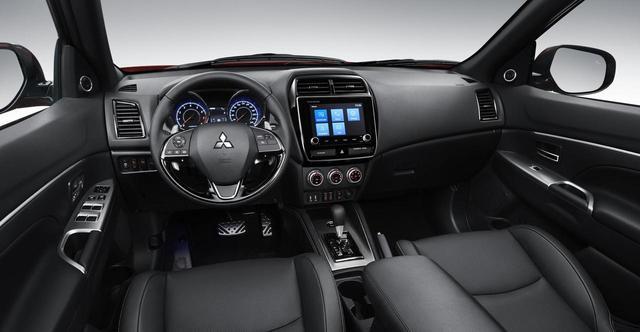 画像: ASX2020年モデルのインテリア。SDA(スマホ連携ディスプレイオーディオ)は8インチに大型化されている。