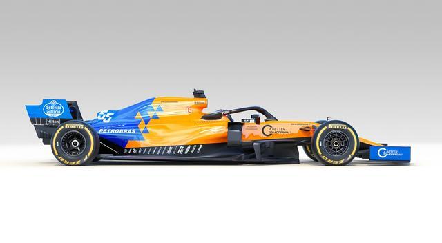 画像: マクラーレンのアイコニックなカラー「McLaren papaya orange」とブルーのコントラストが鮮やか。