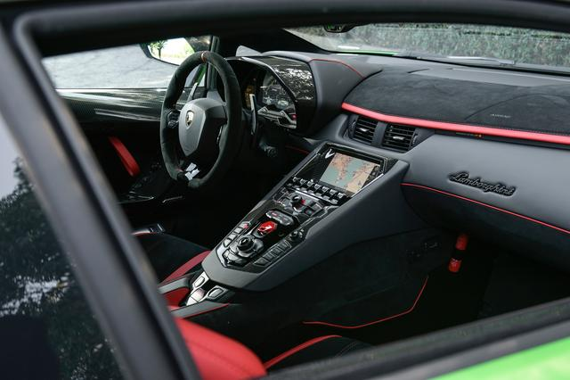 画像: ナビゲーションシステムやインフォテインメントシステムも充実。Apple CarPlayにも対応している。