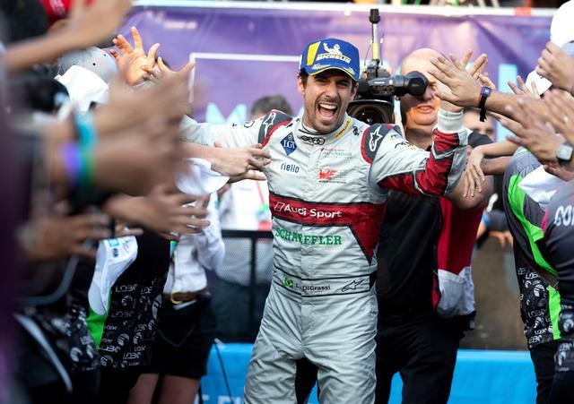画像: 2年ぶりにメキシコシティE-Prixを制覇したルーカス・ディ・グラッシ。アウディスポーツ・アプト・シェフラーは3年連続優勝となった。