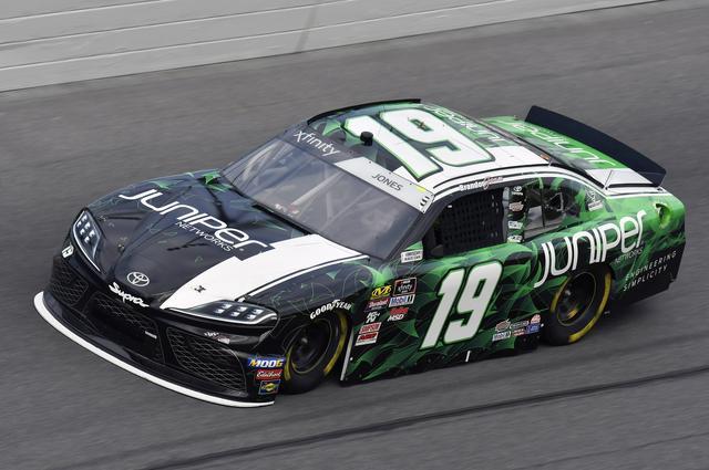 画像: NASCARエクスフィニティ・シリーズ第1戦「NASCAR Racing Experience 300」で3位に入賞したブランドン・ジョーンズ(トヨタ スープラ)。