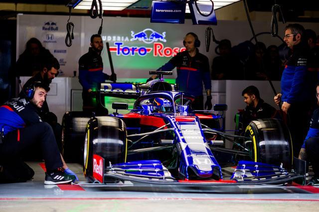 画像: 大きく進化したと言われるホンダのパワーユニット。搭載チームがAston Martin Red Bull RacingとRed Bull Toro Rosso Hondaのふたつになったことで、熟成速度のアップも期待される。チーム間でできるだけパーツを共有するのも利点となりそうだ。