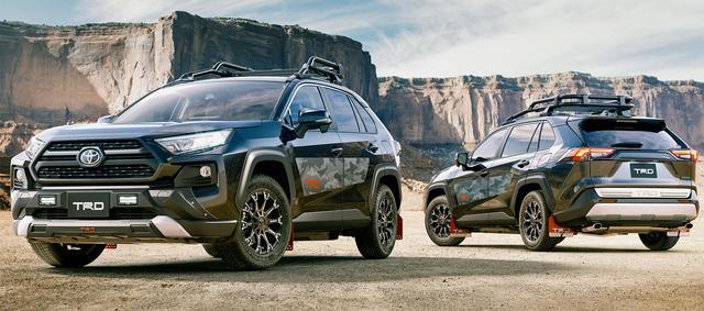 画像: 写真のTRDカスタマイズパーツ装着車など、カスタマイズモデルも紹介されている。
