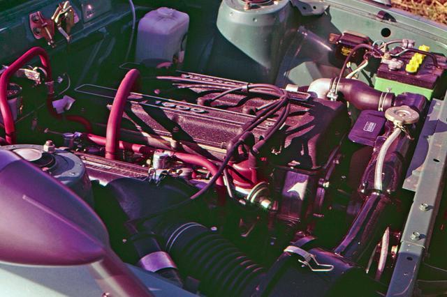 画像: いすゞの120psや三菱の125psに比べると115psは劣勢だが、レースなどでは優れた成績を残した。