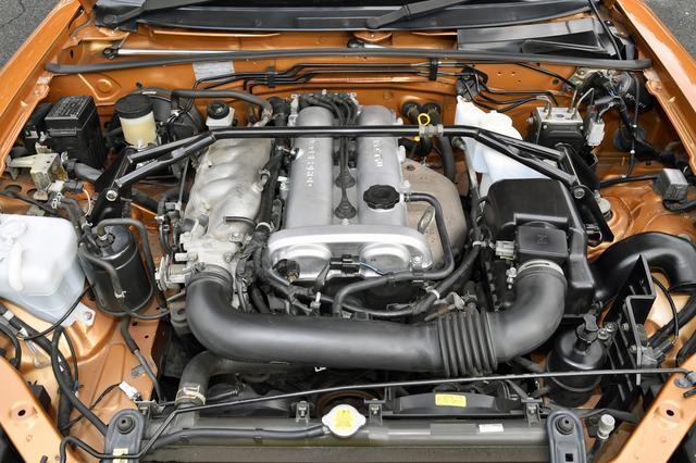 画像: 1.6Lと1.8Lの直4エンジンを搭載。2000年のマイナーチェンジでは1.8Lエンジンに改良が加えられ、MT仕様で160psとなった。