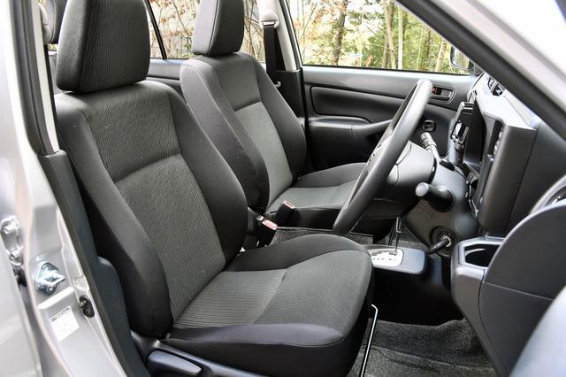 画像: TXのシート地はファブリック。商用車と言えば塩ビのシート、という時代ではない。