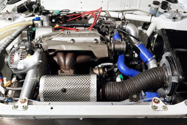 画像: セリカに搭載されていた3S-GT改エンジンと4WDシステムを移植。ワークス活動休止後もプライベーターたちの手によって活躍するなど、そのパフォーマンスは高く評価された。