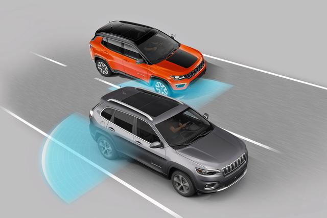 画像: ブラインドスポットモニターや前面衝突警報など、さまざまな安全運転支援装備を全グレードに標準装備。