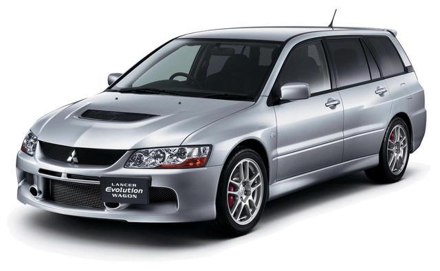 画像: ランエボⅨの発売から半年後、2005年9月7日に発表/発売された「ランサーエボリューションワゴン」。ランエボシリーズ初のワゴンモデルだ。