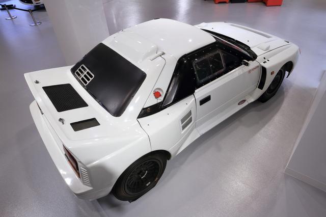 画像: ベースとなったのは初代 MR2で、WRC投入時には車名にMR2の文字も入る予定だったと言われるが、もはや市販車とは別物。