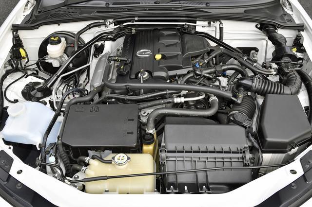 画像: NBより車重が70kg増加したが、2L直4DOHCは170psを発生。189Nmのトルクバンドは広く、使いやすいエンジンに仕上がった。