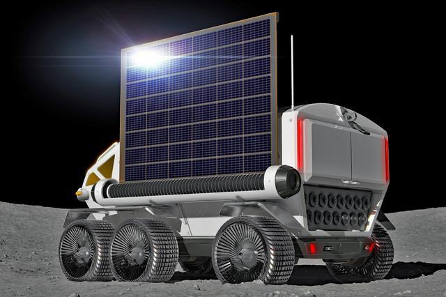 画像: ボディサイドには太陽電池パネルもセットできるようだ。