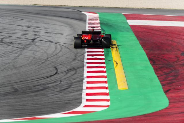 画像: F1開幕戦オーストラリアGPでは、フェラーリのマシンに大きく「90 years」のロゴが入る。