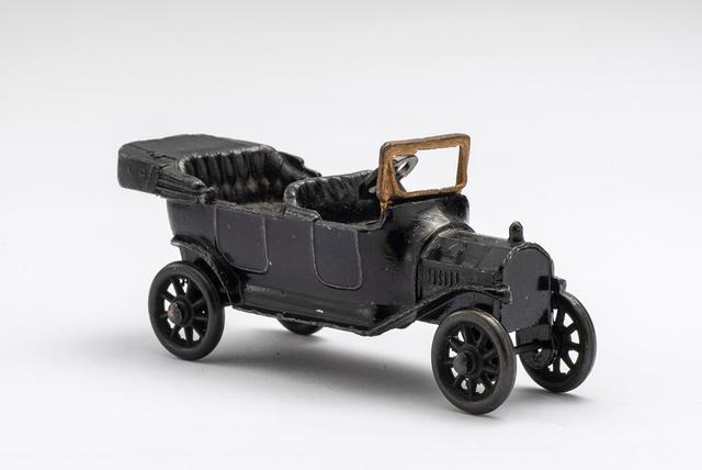 画像: 世界初のダイキャストミニチュアカー「フォード・モデルT(1914年・アメリカ)」