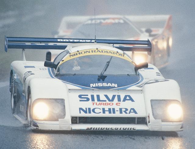 画像: 欧州勢が棄権して国内勢のみとなり、レースも 227 周から 62周に短縮される中、唯一気を吐いたのが星野の駆るマーチ85G だった。2位以下を全て周回遅れにするという驚異的な速さで周回を重ね、欧州勢の度肝を抜いた(1985年10月6日世界選手権Rd9第3回WECジャパン)。