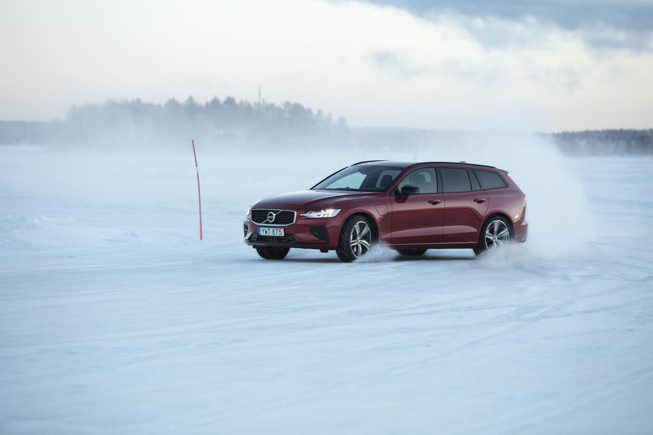 画像2: 北極圏に近い極寒の地を走るのも楽しい