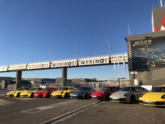 画像: バレンシアサーキットを拠点に開催された国際試乗会。911カレラS、911カレラ4Sが多数揃えられた。