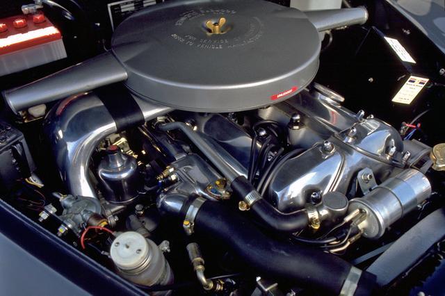 画像: 3.4Lの直6DOHCにSUツインキャブを装着し、210psと29.7kgmを発生していた。