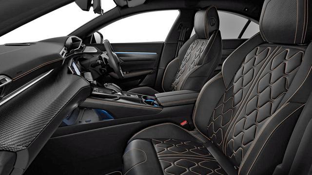 画像: ナッパレザーのシートはGTに標準装備、他グレードではオプション。