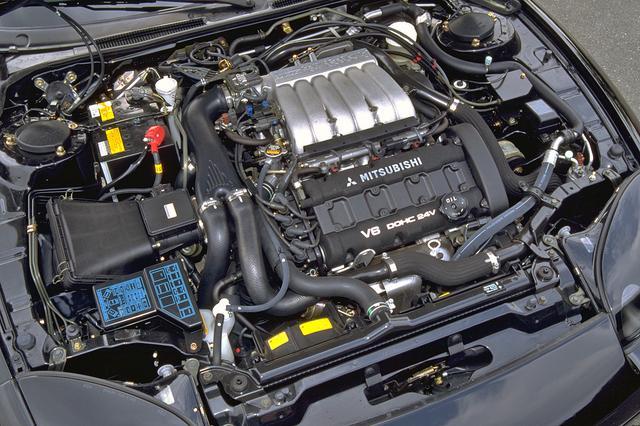 画像: 北米仕様にはノンターボも設定されたが、取材車は320ps/43.5kgmを発生するV6ツインターボを搭載。
