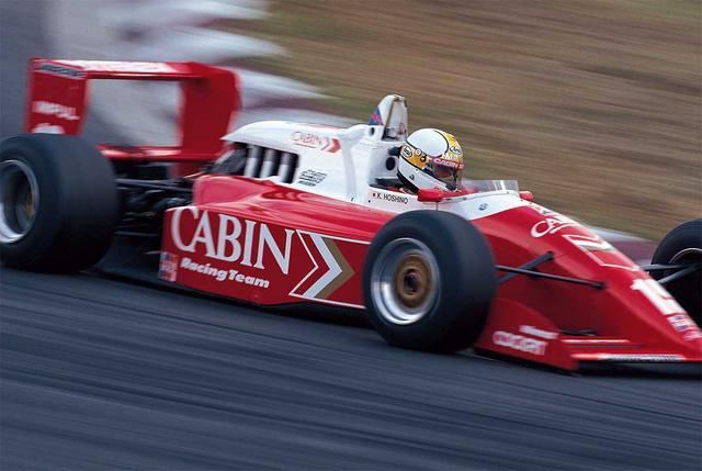 画像: この富士インターでは予選 2位でスタートした星野は、決勝で 2 位となった右京をかわし見事優勝を飾る。この年、87 年の F3000 初年度以来、三年振りのタイトルを獲得する。(1991年9月1日 、全日本F3000 Rd7 富士)。