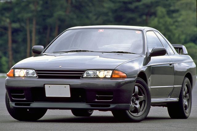 画像: 登場から30年以上を経た今でも、R32GT-Rの人気は衰え知らずで中古車市場では高値で取り引きされている。