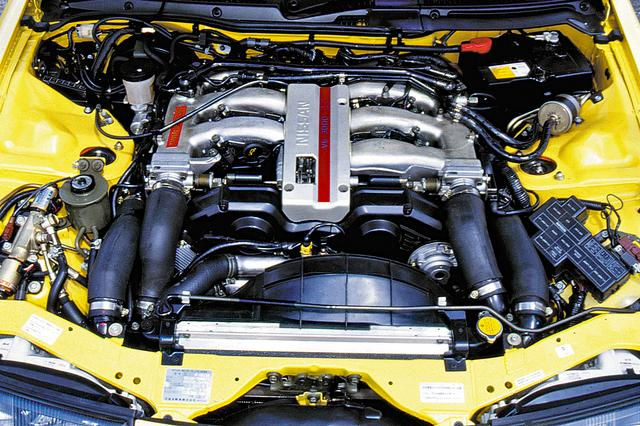 画像: VG30DETTは国産車で初めて280psを発生したエンジンだ。V6の各バンクにターボとインタークーラーを備え、39.6kgmの大トルクを発生した。