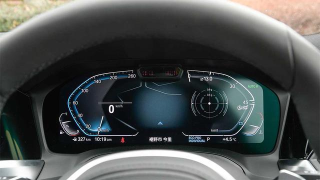 画像: 12.3インチのフルデジタルメーターは速度計と回転計の間にGフォースや地図などが表示できる。