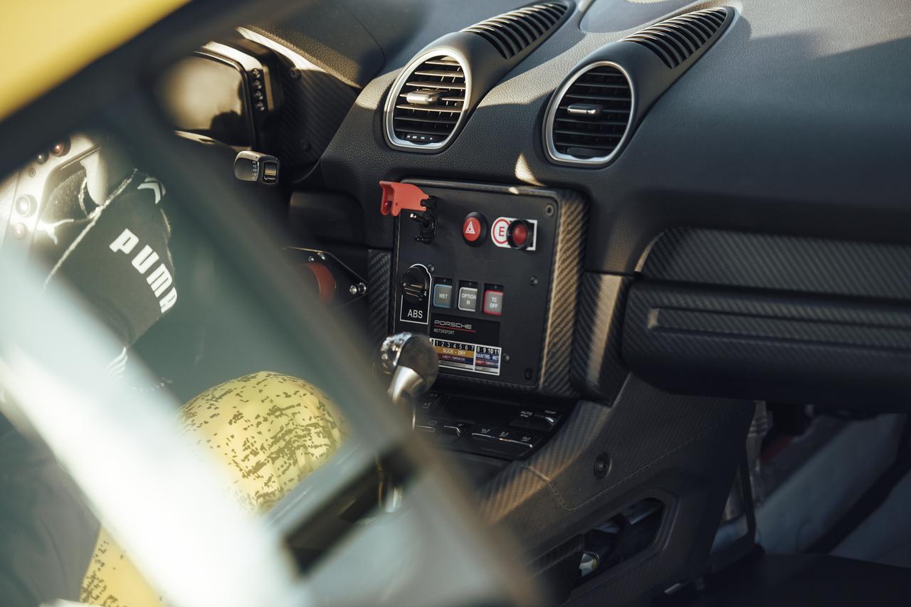 Images : 9番目の画像 - 「レース仕様のポルシェ 718ケイマン GT4クラブスポーツが登場【モータースポーツ】」のアルバム - Webモーターマガジン