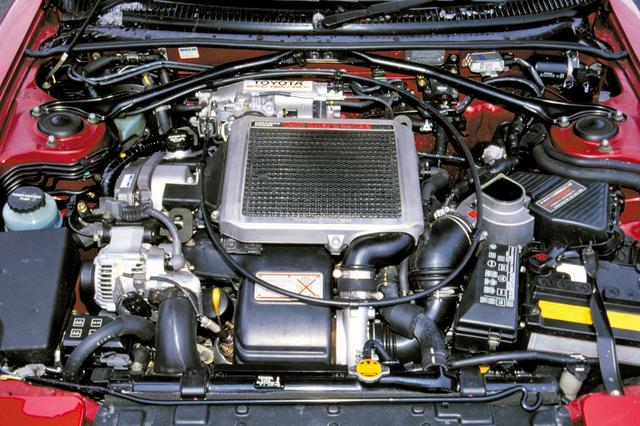 画像: 3S-GTE型はセラミックターボと空冷インタークーラーの装着で225psを発生。先代より40psも強力で、0-400mを14.4秒で走り切った。