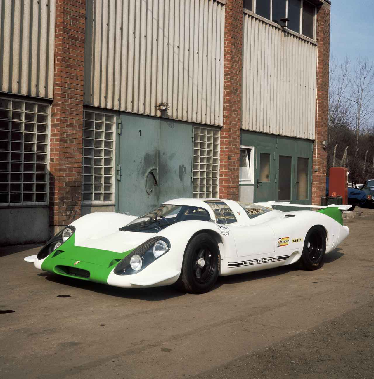 Images : 1番目の画像 - 「【ポルシェ917の記憶②】ル・マンを制覇するために生まれたマシンが「917」だった」のアルバム - Webモーターマガジン