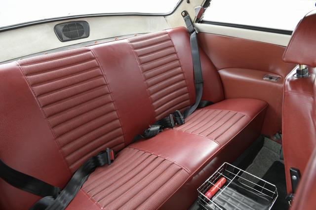 画像4: 【試乗】旧いボルボ車の主治医が仕上げた2台、ボルボ122S アマゾン& 240 ワゴン タックに乗った!