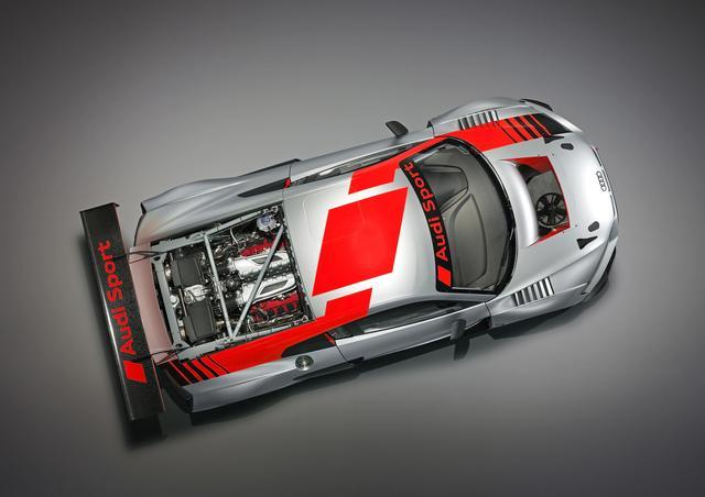 画像: 興味深い上方からのカット。エンジンは自然吸気 V10 5.2Lを搭載。