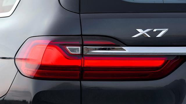 画像1: 【海外試乗】BMW X7は意のままに操れる感覚が楽しいビッグサイズのスポーツ アクティビティ ビークル