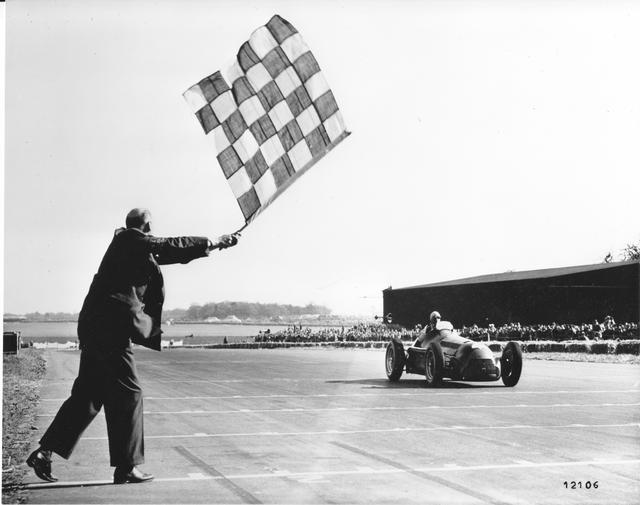 画像: 第1回F1グランプリが開催されたのはイギリス・シルバーストンだった。