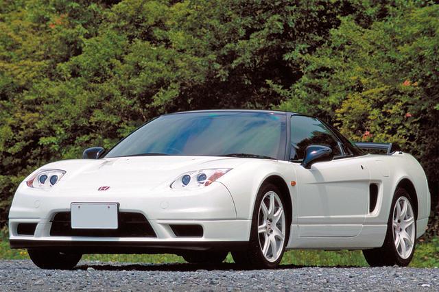 画像: 2002年に復活したタイプRは精密な重量バランス取りでレスポンスを高めたスペシャルエンジンを積む。