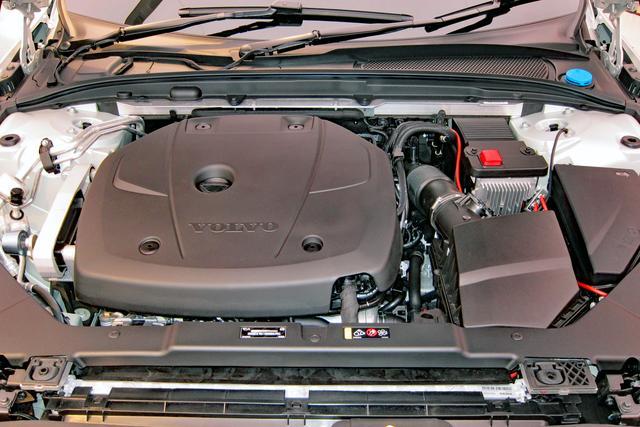 画像: パワートレーンは2Lの直4ガソリンターボエンジン+8速ATのみ。