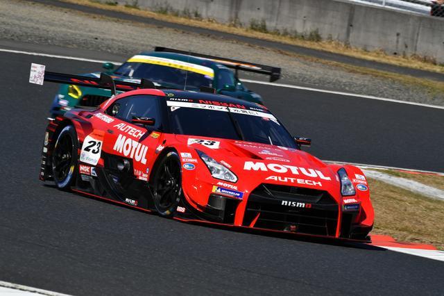 画像: コースレコードをマークしてポールポジションを獲得したMOTUL AUTECH GT-R。