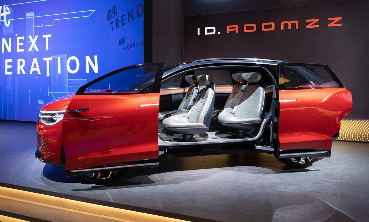 Images : 4番目の画像 - 「フォルクスワーゲン ID.ROOMZZは3列シートのSUV。航続距離450kmのEVが上海モーターショーに登場」のアルバム - Webモーターマガジン