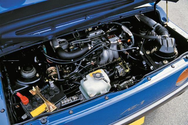 画像: スズキから供給されるアルトワークス用F6A型エンジンをミッドシップ搭載。5速MTを介して720kgの高剛性ボディを豪快に加速させた。