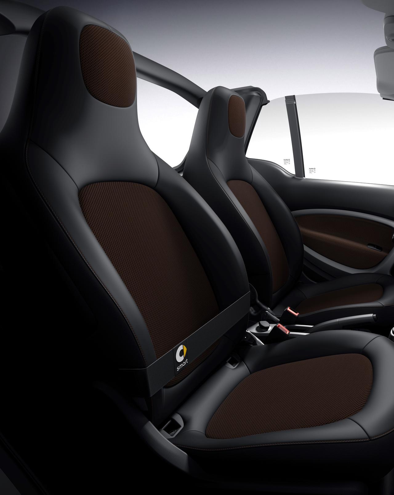 Images : 7番目の画像 - 「smart最後のガソリンモデル! 特別仕様車「スマートfortwo ブラックシルバーエディション」「スマートcabrio ホワイトブラウンエディション」発売」のアルバム - Webモーターマガジン