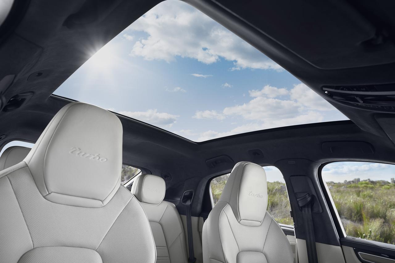 Images : 15番目の画像 - 「ポルシェ カイエンの派生モデル「カイエンクーペ」の車両価格を発表し、さらに予約受付も開始」のアルバム - Webモーターマガジン