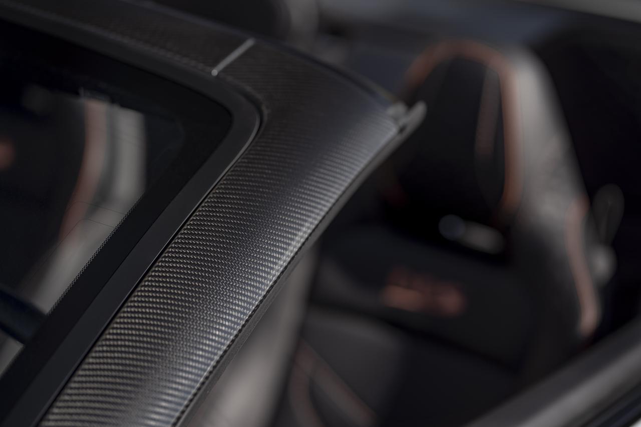 Images : 1番目の画像 - 「アストンマーティン DBS スーパーレッジェーラ ボランテは、V12ツインターボ搭載のオープンカー」のアルバム - Webモーターマガジン