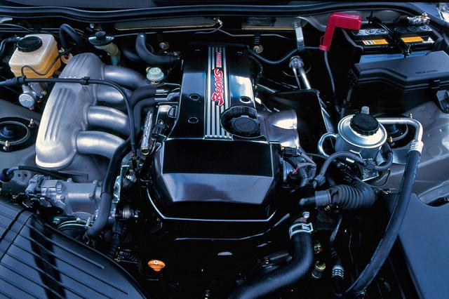 画像: 84年デビューの3S-GE型エンジンは信頼性の高いユニットで、可変バルブタイミングシステムのVVT-iを装着して搭載した。