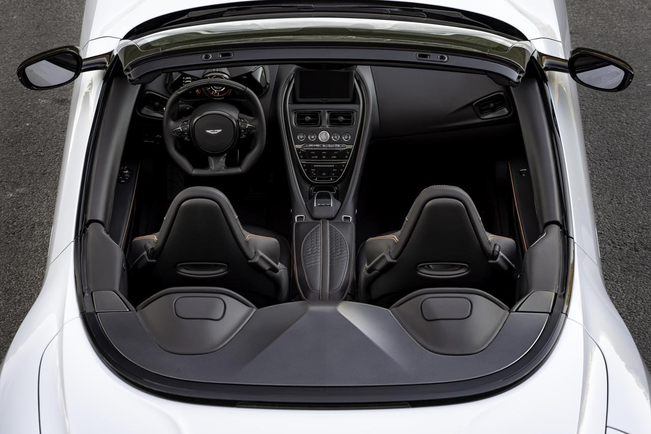 Images : 12番目の画像 - 「アストンマーティン DBS スーパーレッジェーラ ボランテは、V12ツインターボ搭載のオープンカー」のアルバム - Webモーターマガジン